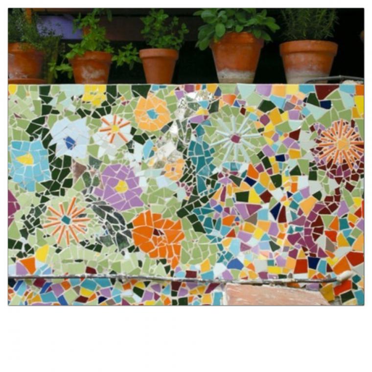 Дачная мозаика в саду своими руками 37