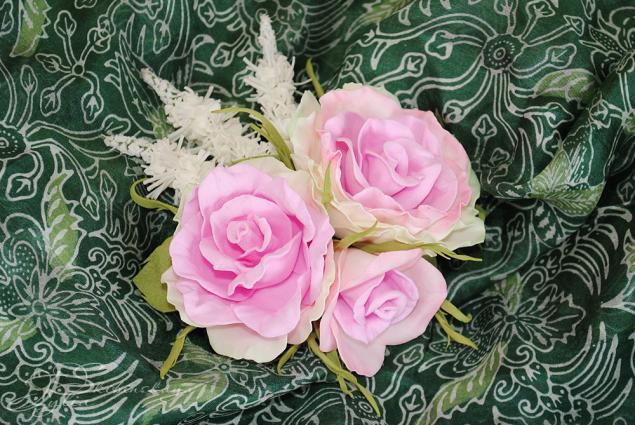цветы из фоамирана, заколка с розами