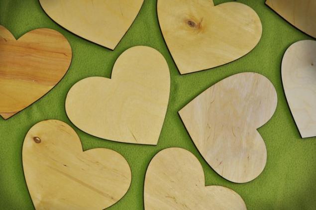 акция, деревянные слова, буквы из дерева