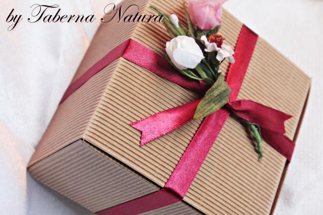 упаковка подарка, подарок, крем, натуральное мыло