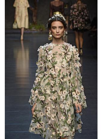 Платье своими руками украшенное цветами