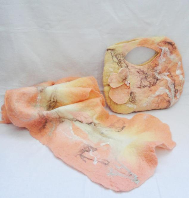 аукцион сегодня, валяный шарф