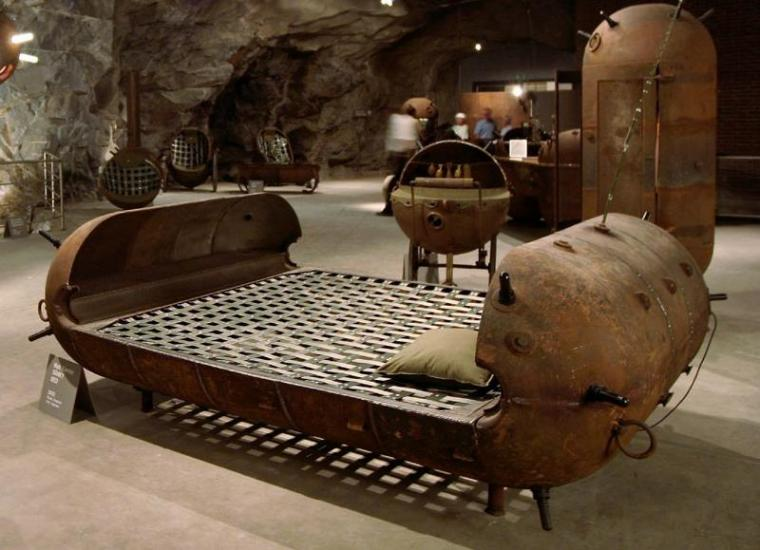 диван в стиле стимпанк фото микронаушник
