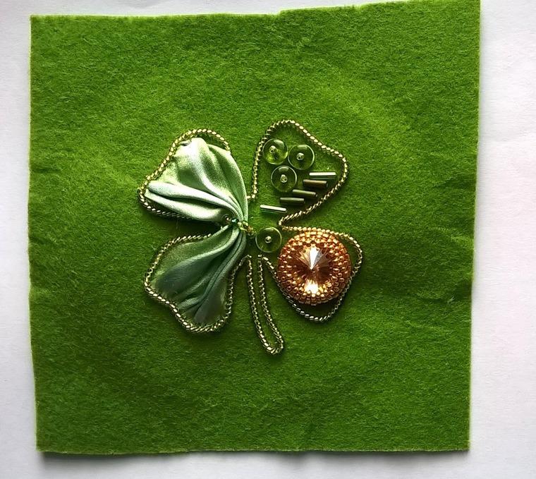 DIY on Creating a Cloverleaf Brooch for Luck, фото № 9