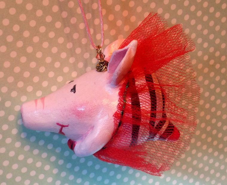 свинка, подарок, розыгрыш конфетки