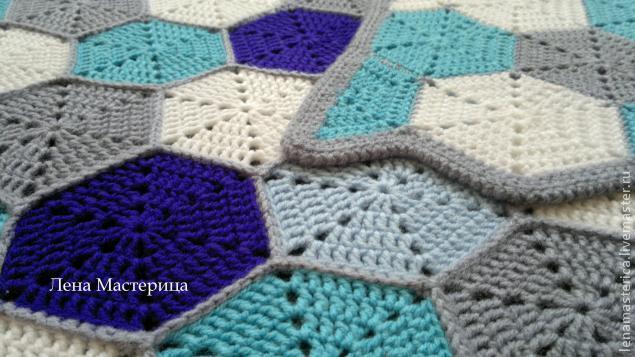 Декоративная подушка из квадратов 13