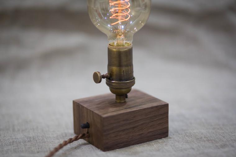 лампа эдисона, светильник из дерева