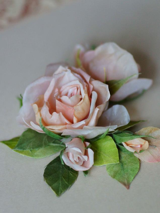 красивые розы в волосы