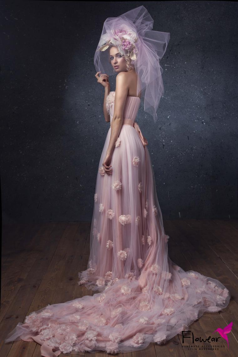 цветочные аксессуары, брошь на платье