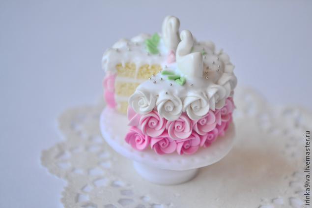пластика, лепка из пластики, кулинарная миниатюра, свадебный торт, торт для куклы, розы из пластики