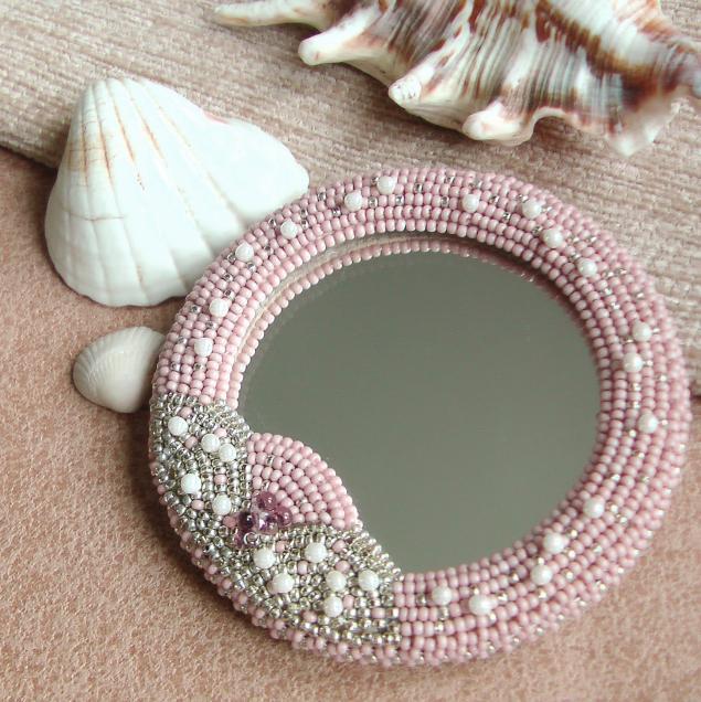 зеркало с вышивкой