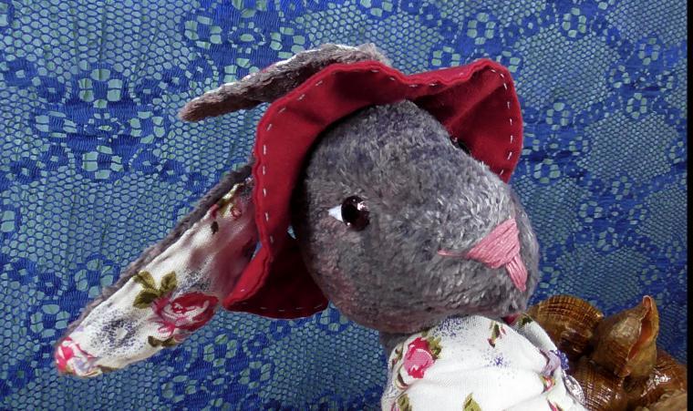 плюшевый мишка, серый