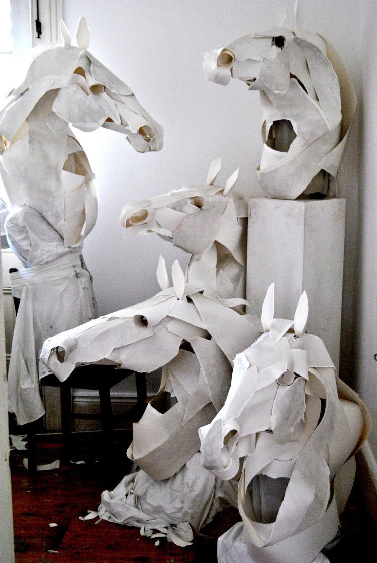 Бумажные статуй своими руками 13