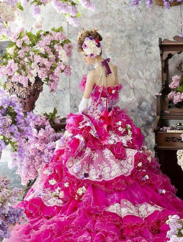 Необыкновенные свадебные платья.Цветы в моде от дизайнеров., фото № 4