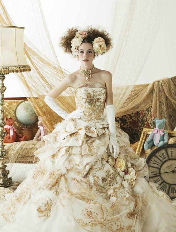 Необыкновенные свадебные платья.Цветы в моде от дизайнеров., фото № 5