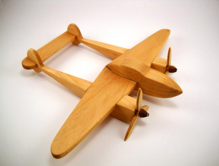 Как сделать из дерева самолетик фото 645