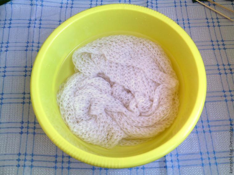 Красим старый шарф с помощью красителей для яиц, фото № 2
