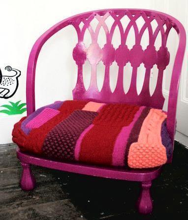 Яркие вязанные дизайнерские кресла для творческих людей.