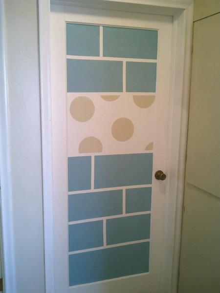 Как обновить двери в ванную своими руками