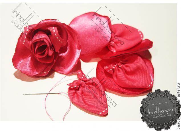 авторское украшение, цветы из гипюра