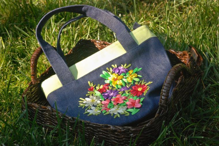 вышивка лентами, сумки
