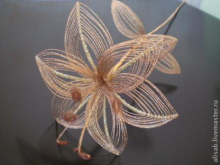 картинки лилия из бисера.