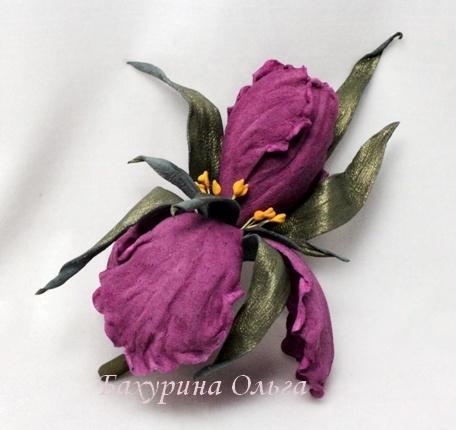 цветы ручной работы, цветоделие, обучение цветоделию, кожаная флористика, ирис, брошь цветок
