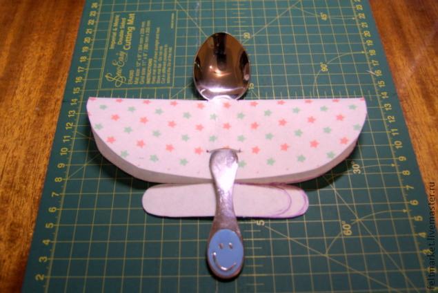 ложка-самолет