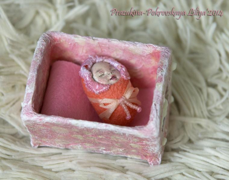 тутовый шелкопряд, фарфоровые куклы, новорожденному