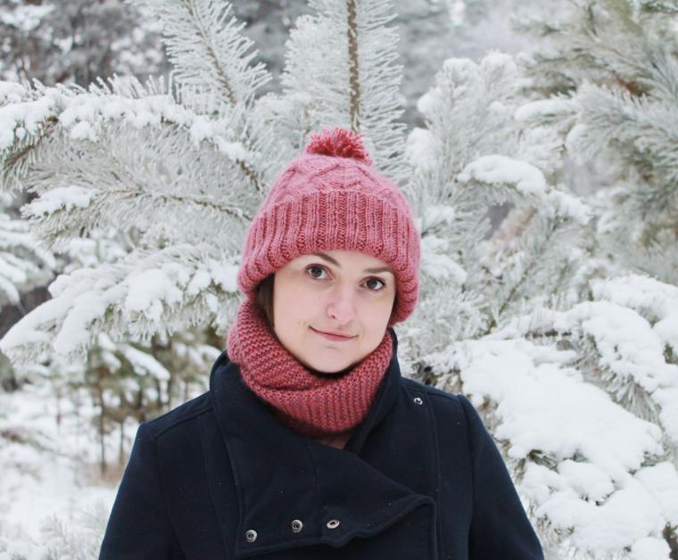 вязание спицами, зима, теплая шапка, модный снуд, женщине
