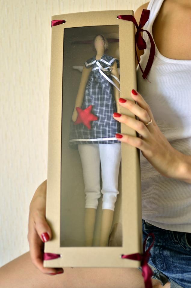 Как сделать подарок для кукол подарок