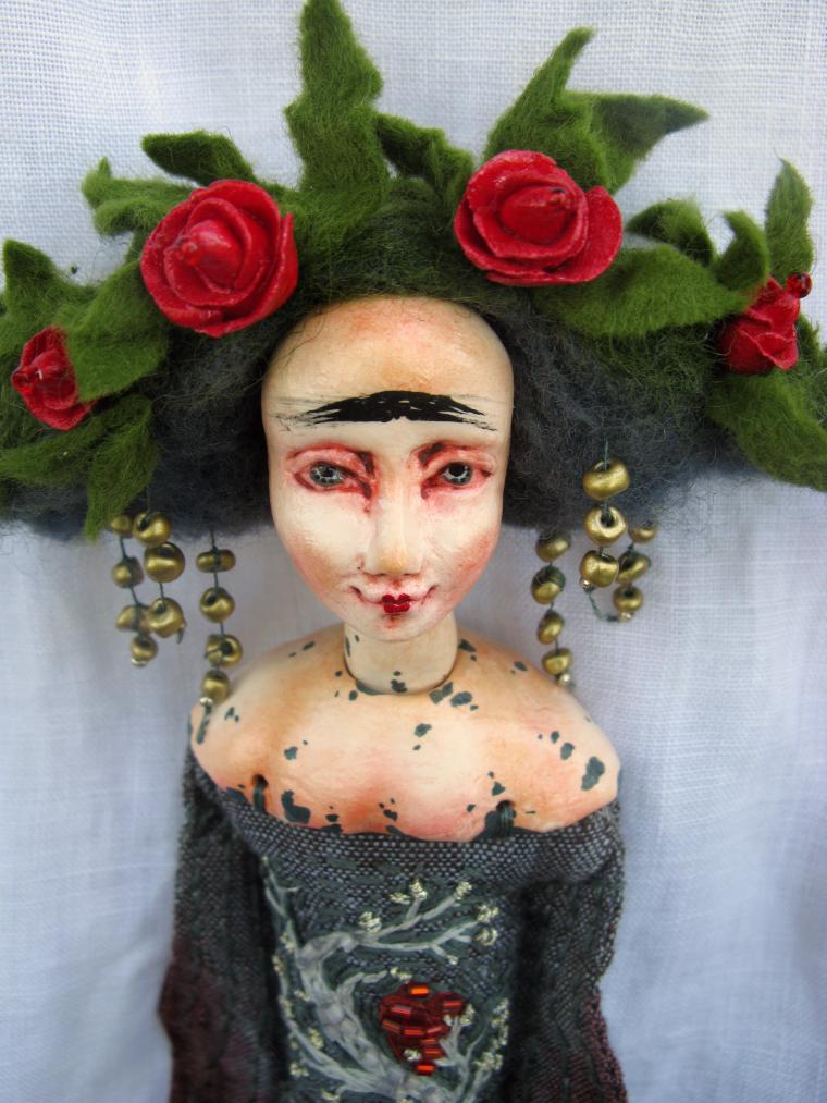 интересная кукла