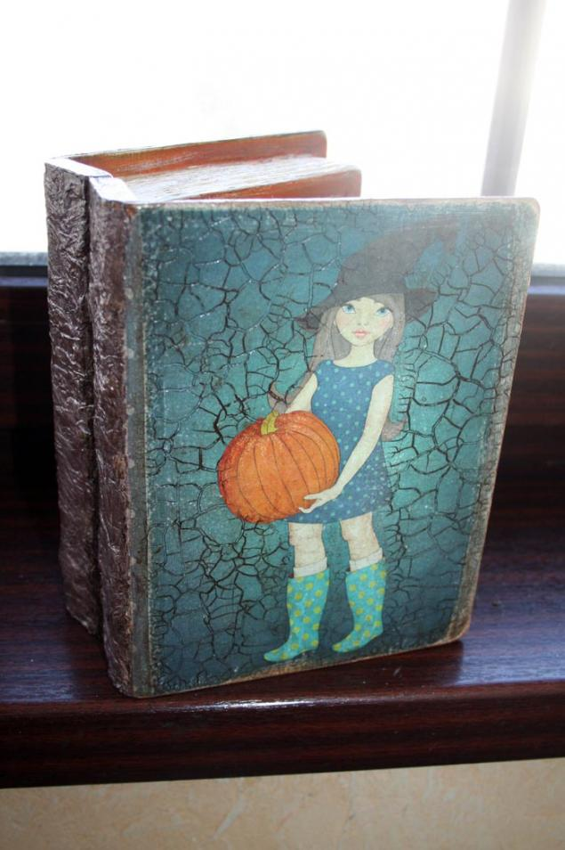 трещинки, винтажный стиль, книга-шкатулка, подарок на 8 марта, коробочка