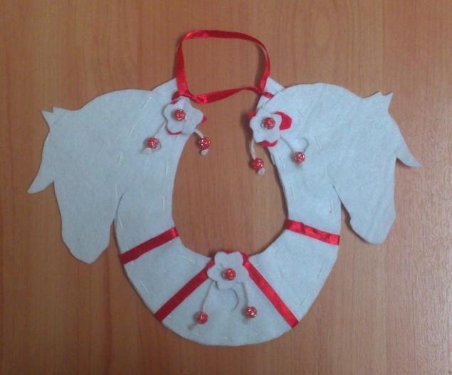 подарок, три белых коня