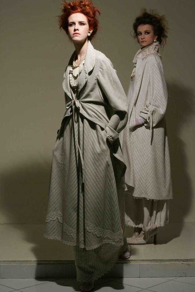 акция магазина, одежда из льна