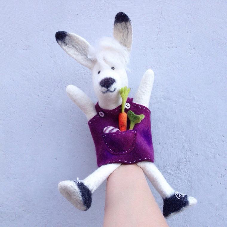 игрушка на руку