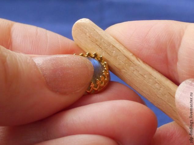 Сережки-гвоздики своими руками