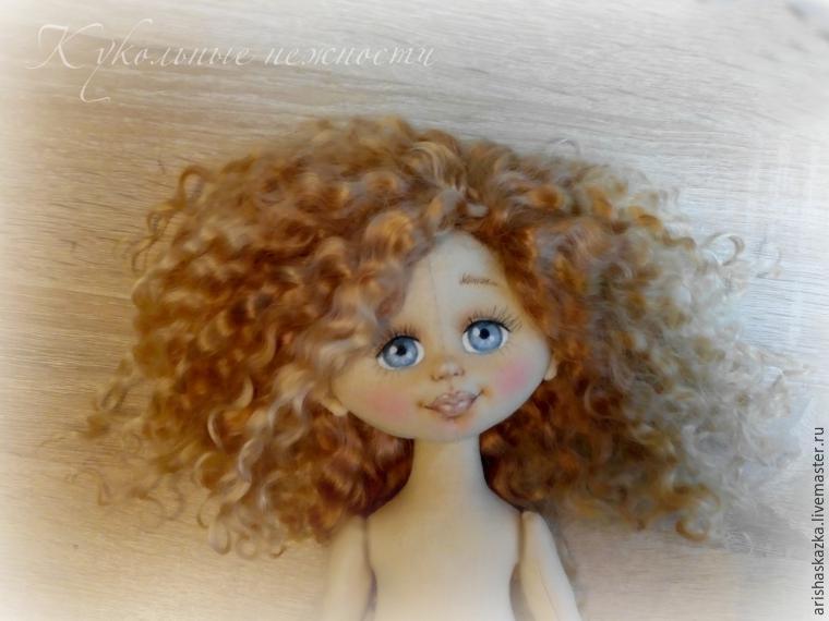 Пришиваем волосы текстильным куклам видео