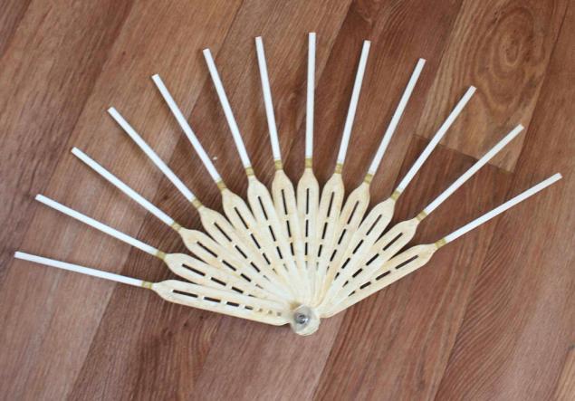 Как сделать веер из ткани и палочек