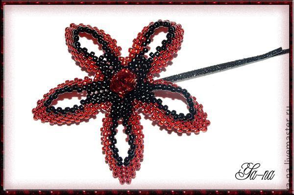 Украшаем заколку.  Мастер-класс по плетению цветов из бисера своими руками.  Схема плетения для начинающих.