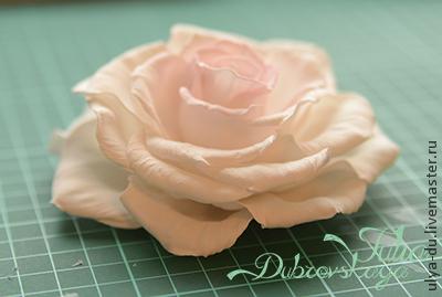 Раскрывшаяся роза из фоамирана. МК Юлии Дубровской