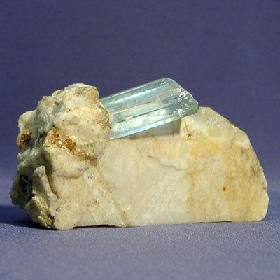 кристалл аквамарина