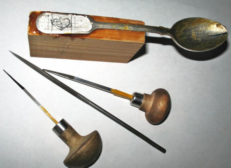 штихель, подарочная ложка