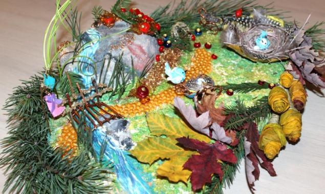 природные материалы, ягоды, елка