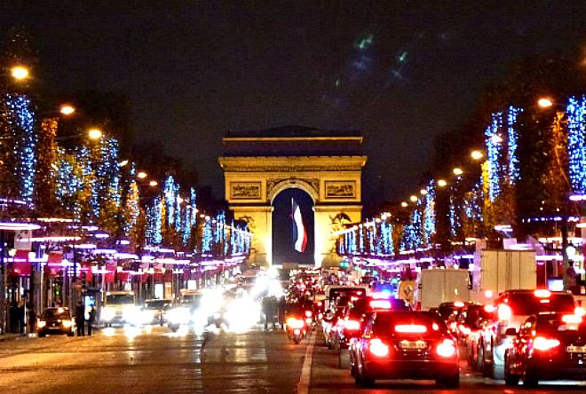 Лоукост- автобусный тур новый год в париже!