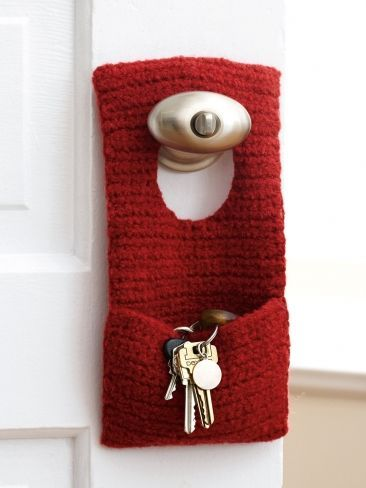 This is a fabulous idea- I know someone who is always looking for their keys, marvelous gift idea, and it will use very small amount of wool Felted Door Knob Organizer | Yarn | Free Knitting Patterns | Crochet Patterns | Yarnspirations