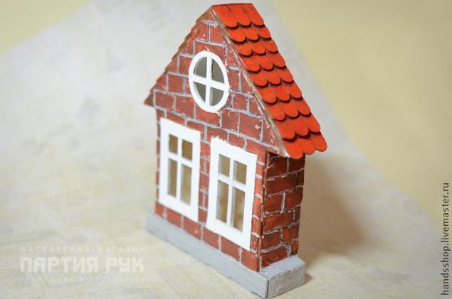 Кирпичный кукольный домик