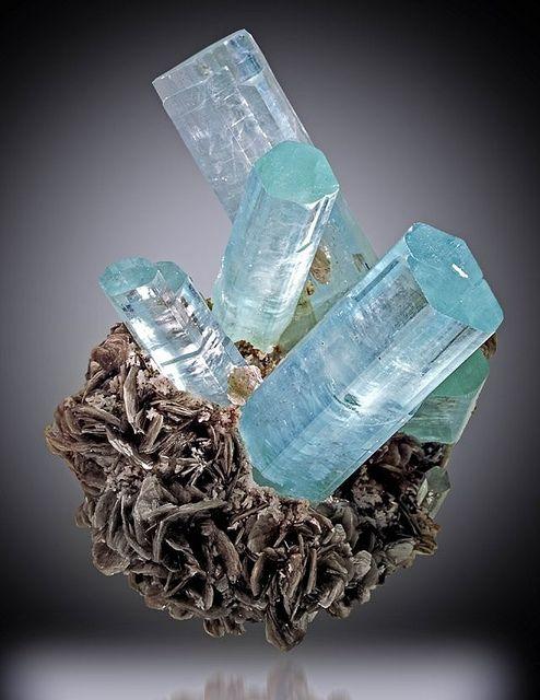 натуральные камни, аквамарин