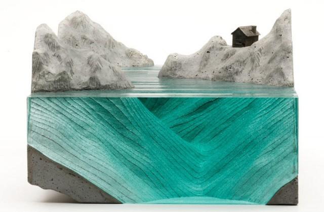 Стеклянные скульптуры волн от Бена Янга
