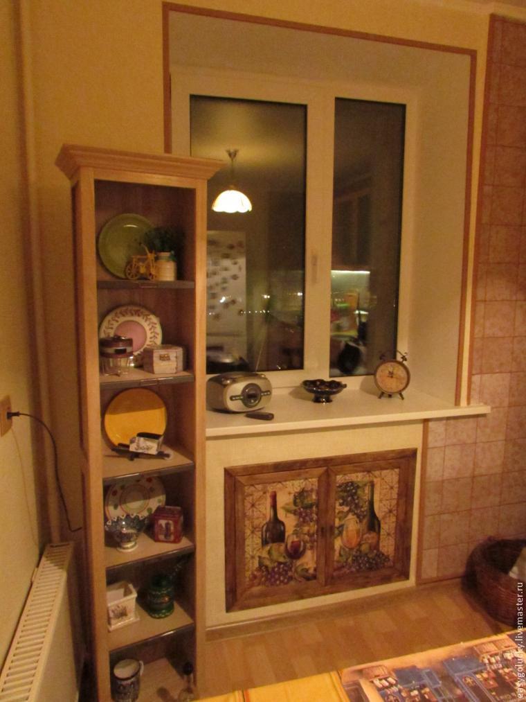Ментион: холодльники под окном на кухнях